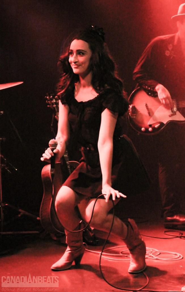 Lindi Ortega (2)