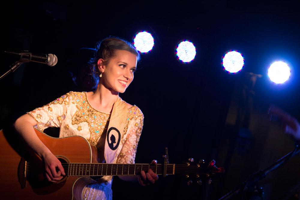 Justine- performing