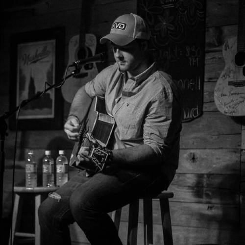 Tyler-Deveau-at-Pucketts-Nashville-500×500
