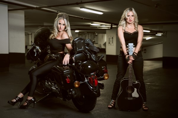 Ashley Sisters – Photo for Canadian Beats
