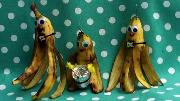 make-this-feeling-go-away-video-rocking-bananas-1-2